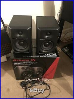 Pioneer DJ DM-40 4-inch Monitor Speakers Active